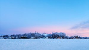 A file photo of houseboats on Yellowknife Bay in December 2018. Sarah Pruys/Cabin Radio
