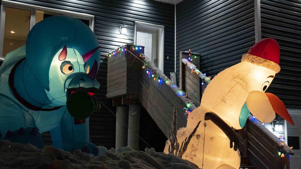 Yellowknife Christmas lights: A blue dinosaur on Moyle Drive