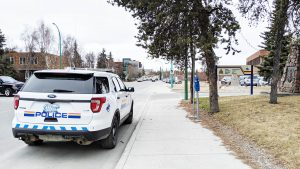 A file photo of a police car outside of the Yellowknife RCMP detachment. Sarah Pruys/Cabin Radio