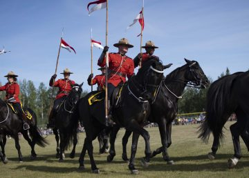 The RCMP Musical Ride performed in Hay River on Sunday, August 25. Sarah Pruys/Cabin Radio
