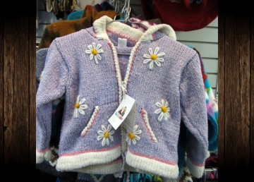 An example of a children's hooded sweater featured in a Health Canada recall