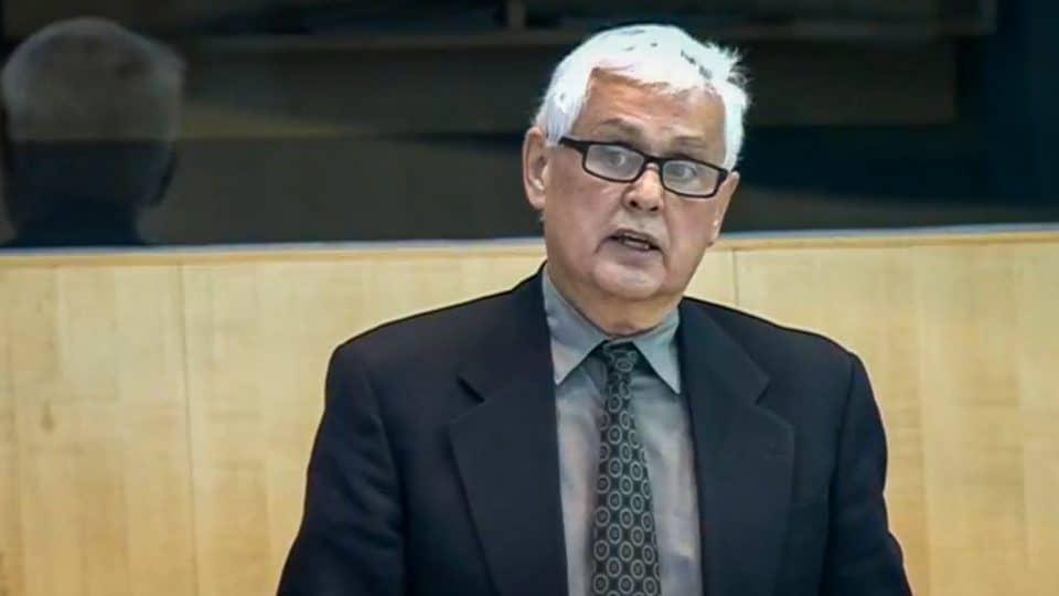 Rocky Simpson speaks in the legislature in October 2019