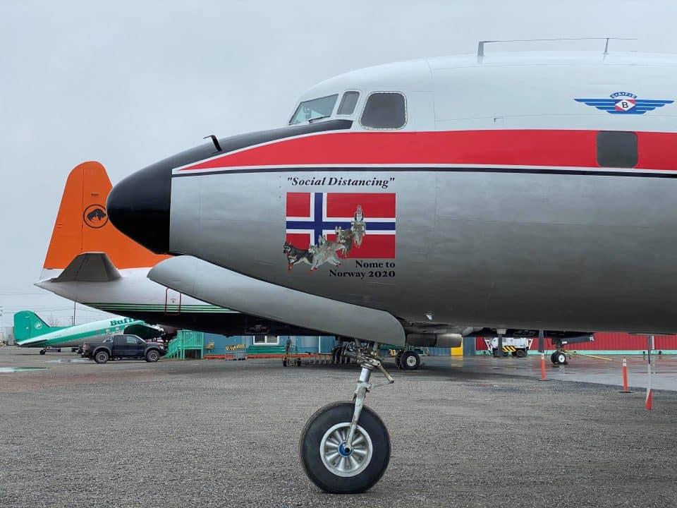 Nose art on the Braathens SAFE-liveried DC-6