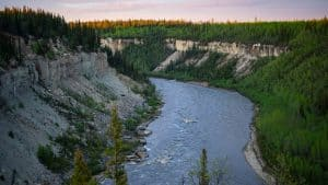 A file photo of the Hay River at the Escarpment Creek lookout near Enterprise, NT in June 2020. Sarah Pruys/Cabin Radio