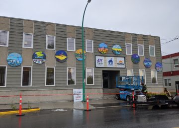The 5052 mural on the Foster Family Coalition's Yellowknife building