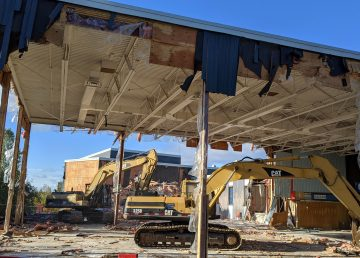 Yellowknife's École JH Sissons is demolished on September 15, 2020. Sarah Pruys/Cabin Radio