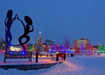 A file photo of Somba K'e Civic Plaza in Yellowknife in November 2020. Sarah Pruys/Cabin Radio