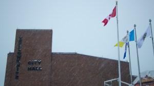 A file photo of Yellowknife City Hall. Luisa Esteban/ Cabin Radio.
