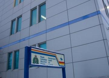 A file photo of the RCMP detachment building in Yellowknife. Luisa Esteban/ Cabin Radio.