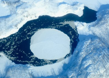 An ice circle on Tsu Lake, 100 km north of Fort Smith, in February 2021