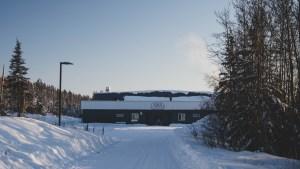 A file photo of Łútsël K'é Arena in February 2021. Sarah Pruys/Cabin Radio