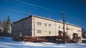 A file photo of Łútsël K'é Health Centre in February 2021. Sarah Pruys/Cabin Radio