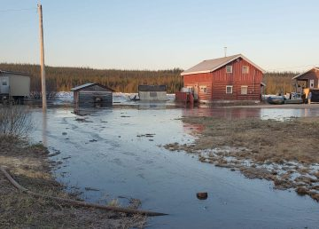 Fort Good Hope remains on flood watch as ice break-up threatens the community with flooding