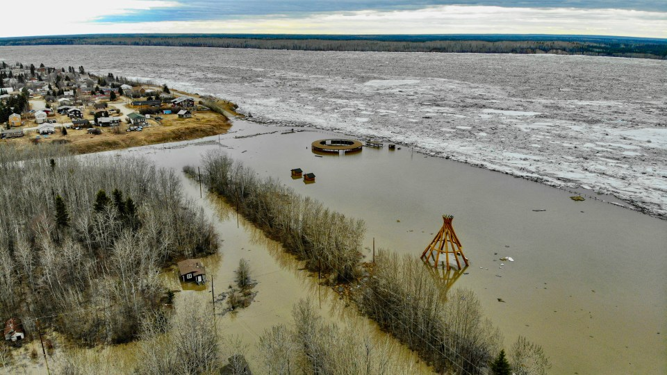 Flooding in Fort Simpson on May 8, 2021