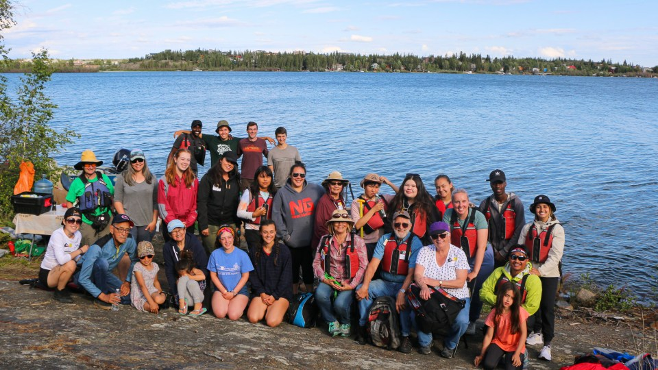 Photo of the participants and organizers of the Intergenerational Voyageur Canoe Tour. Luisa Esteban/ Cabin Radio.