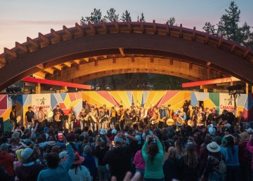 The Jerry Cans and Yellowknives Dene Drummers end Folk on the Rocks 2021