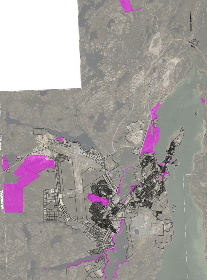 A City of Yellowknife image shows headleases and waterfront land, in purple, to be acquired from the GNWT