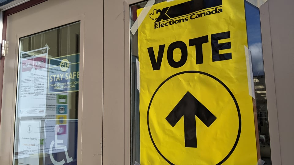 A polling place at Yellowknife's Tree of Peace on election day in 2021